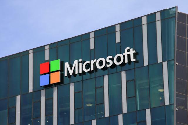 Microsoft Masih Garap Proyek Ponsel Layar Lipat Andromeda