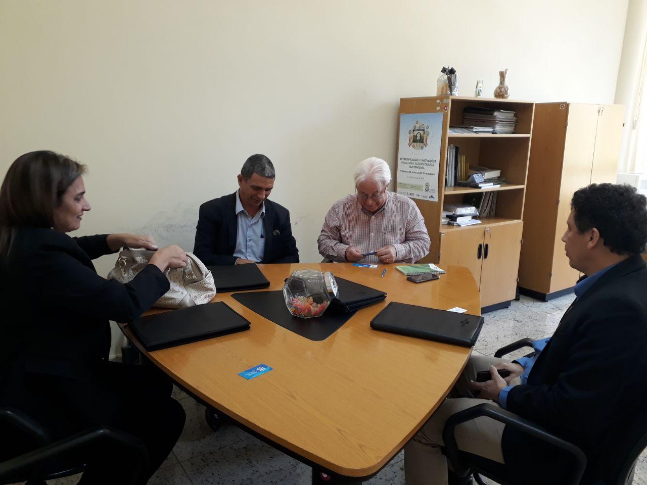 c0022c628e Delegação Capixaba visita projeto Barraginhas da Embrapa!
