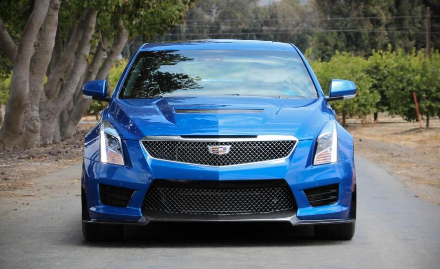 Đầu xe quá đậm chất Cadillac, quá hầm hố và mạnh mẽ