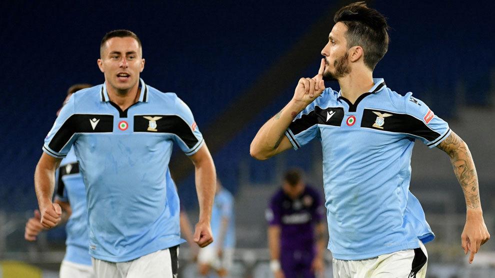 Lazio le ganó a Fiorentina y sigue de cerca a Juventus