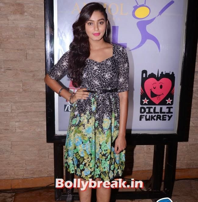 Sara Khan, Box Cricket League Success Party - Tv Babes as Guests