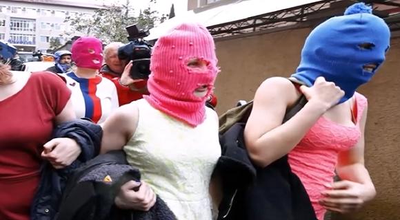 Rusia despenaliza violencia intrafamiliar