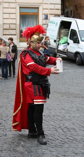 работа в Риме; opening in Rome; job in Rome