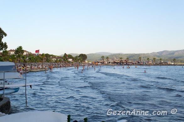 Akyaka plajı ve sığı denizi, Muğla