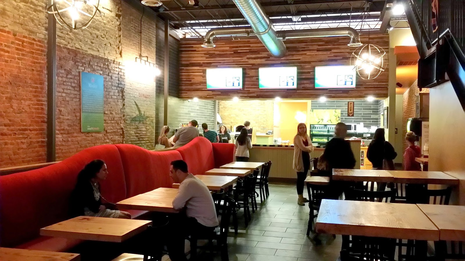 Red Sofa Cafe Baku Navy Blue Leather Reclining Pizza Quixote Review Couch Tomato West Chester Pa