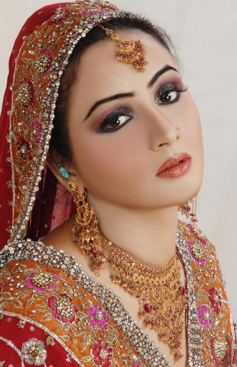 Bridal Makeup For Dark Skin: Bridal Makeup Tips For Brides On Their Wedding Day