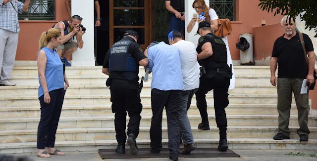 2 μήνες φυλάκιση με τριετή αναστολή στους 8 τούρκους φυγάδες