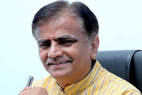rewari-sarpanch-angry-with-krishi-mantri-op-dhankhad-haryana