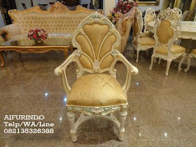 Kursi Makan Jati Klasik Mewah-Toko Mebel jati klasik-toko jati-furniture klasik mewah-Jual Kursi makan jati klasik cat putih