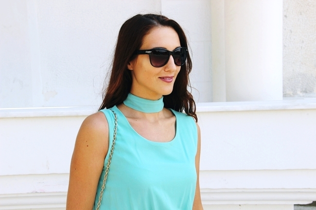 Mint dress.Mint purse.H&M sleek black sunglasses.Scarf as a necklace.H&M crne naocare za sunce.