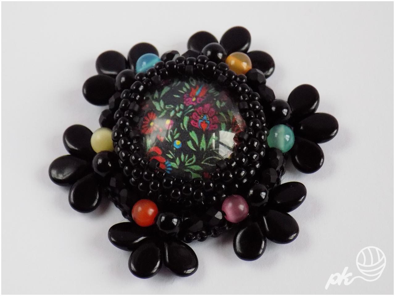 haft koralikowy, broszka, handmade, rękodzieło, biżuteria
