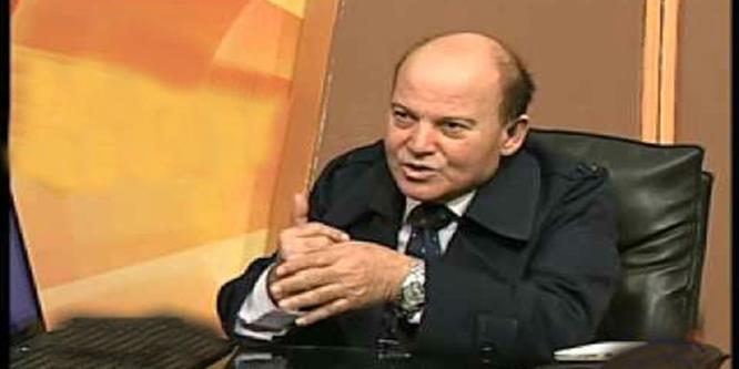 تفاصيل الفضيحة ياسين لاشين الأستاذ بكلية إعلام القاهرة