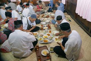 Makan Bedulang Adat Belitung