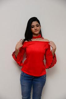 Shriya Sharma Stills At Nirmala Convent Movie Interview %287%29.JPG