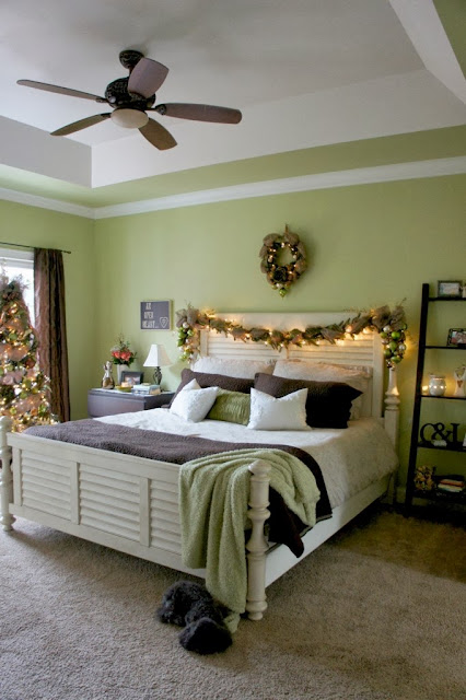Christmas Bedroom Decorating