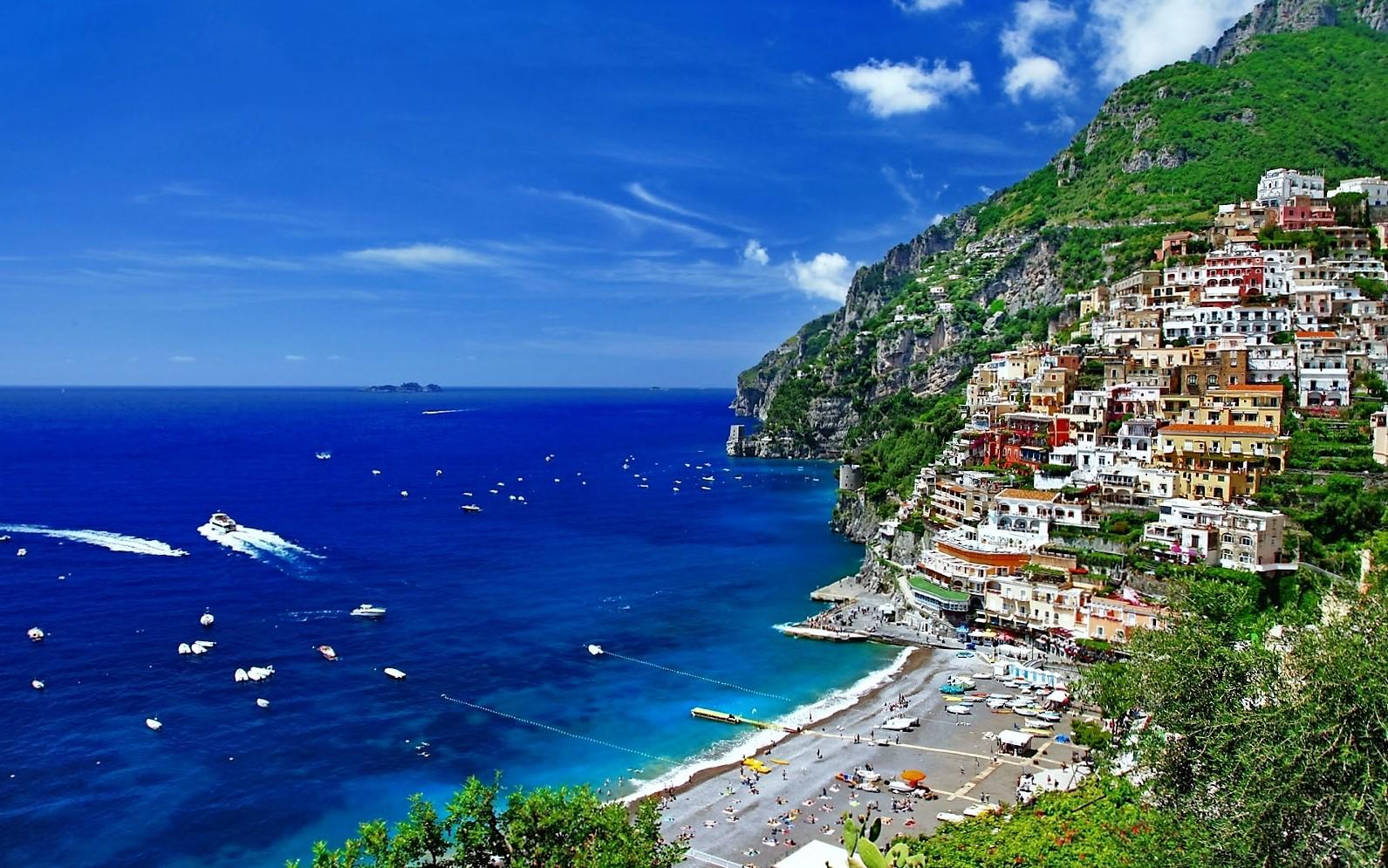 2 - 5 pantai cantik dan eksotis di Eropa, Jamin buat Betah!