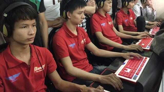 Đội hình huyền thoại của GameTV cũ đã từng thất bại cay đắng trước Liên quân VEC cách đây ít lâu