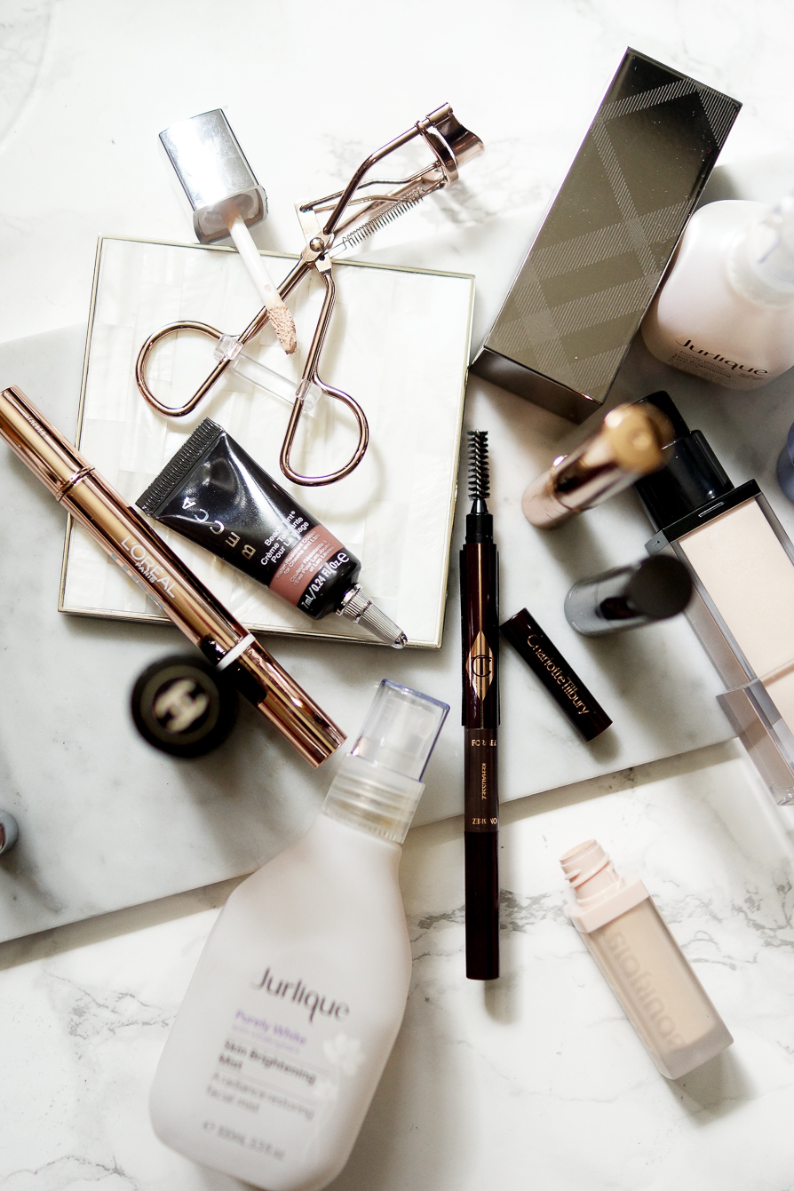 beauty-lifestyle-flatlay-photography-how-to-look-younger-anti-aging-tips