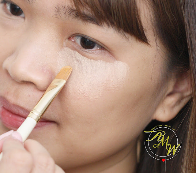 a photo on how to apply Maybelline Fit Me! concealer