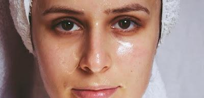 Mengatasi Kulit Wajah Berminyak Dalam Sekejap