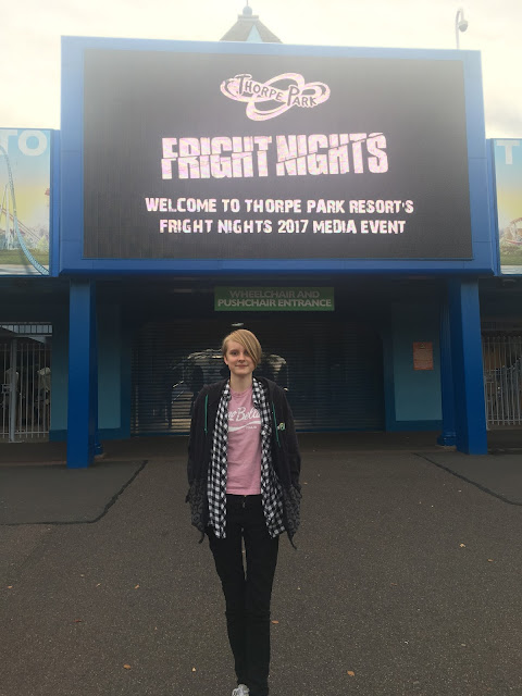 My Zombie obsessed daughter at Thorpe Park #FRIGHTNIGHTS2017