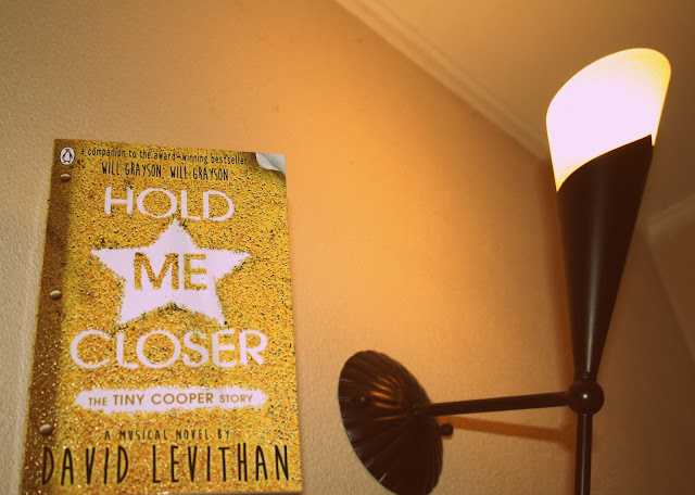 Hold me closer af David Levithan