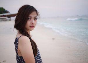Foto Bulan Madu Franda Pamerkan Paha Putih Mulus