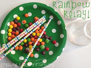 En este juego el alumnado tiene que mantener las golosinas de color del arco iris (pueden ser también nubes u otras cosas que recuerden a San Patricio) en la punta de la pajita mediante la succión. ¡Genial para practicar la succión, los colores, etc.