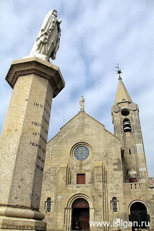 Католическая часовня Богоматери Пенья (Chapel of Our Lady of Penha). Город Макао. Китай