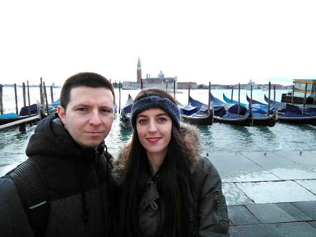 italy, italija, venice, venecija, trip, journey, europe, travel, traveling, izlet, potočki promet, autobus, put, putovanje, boat, brod, sea, more, couple, par, godišnjica veze, gift idea, gondola