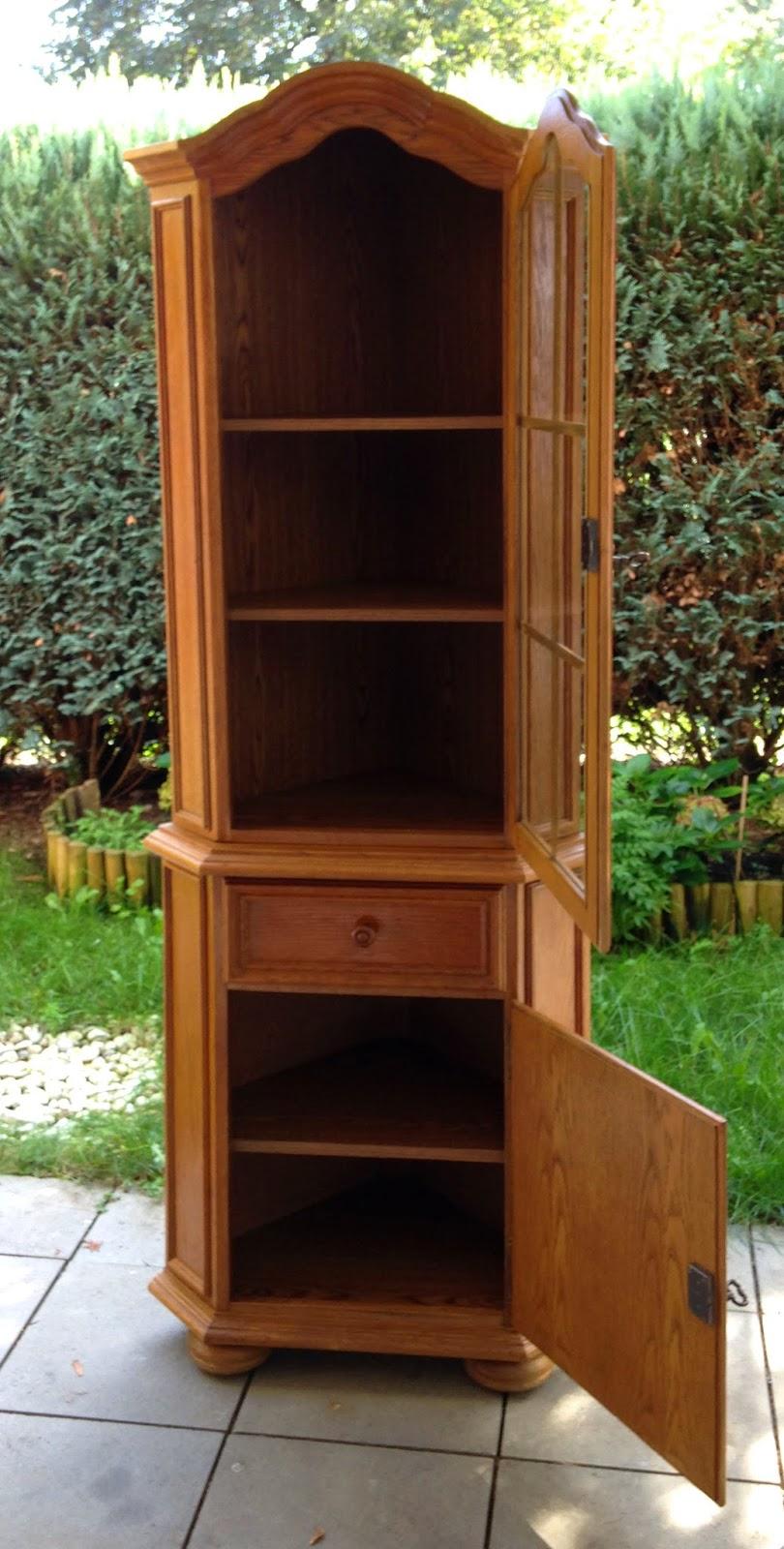 handcraftmarie flohmarkt fund ein schrank in. Black Bedroom Furniture Sets. Home Design Ideas