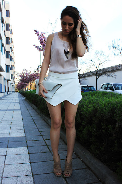 white outfits for women
