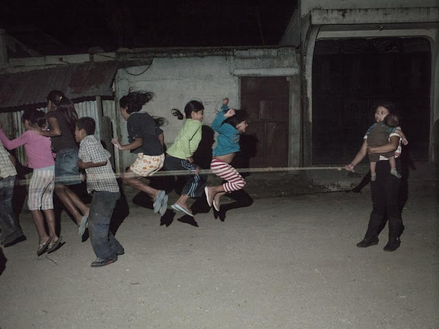 fotografije silovane djevojcice