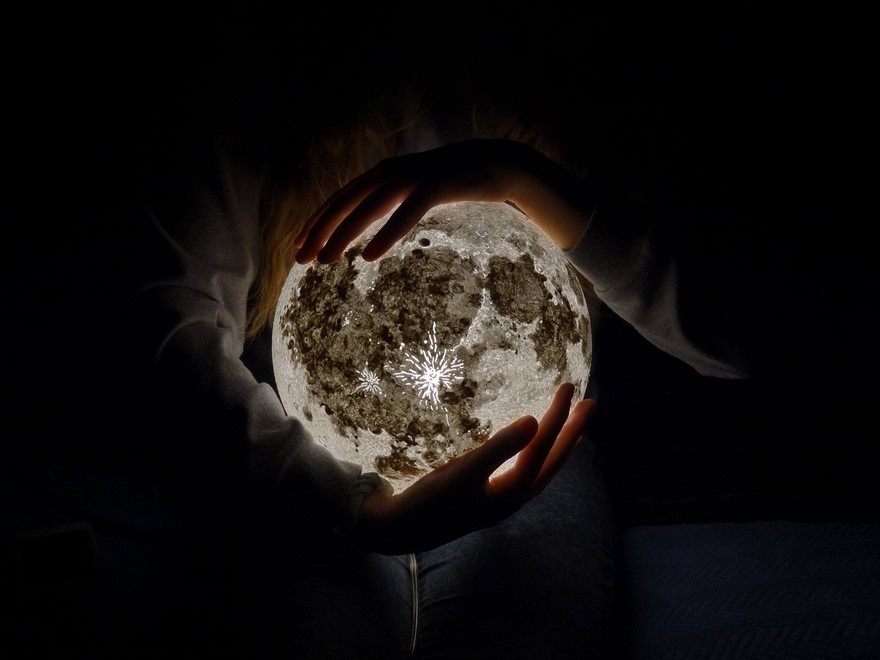 Lampu Hias Berbentuk Planet yang Luar Biasa