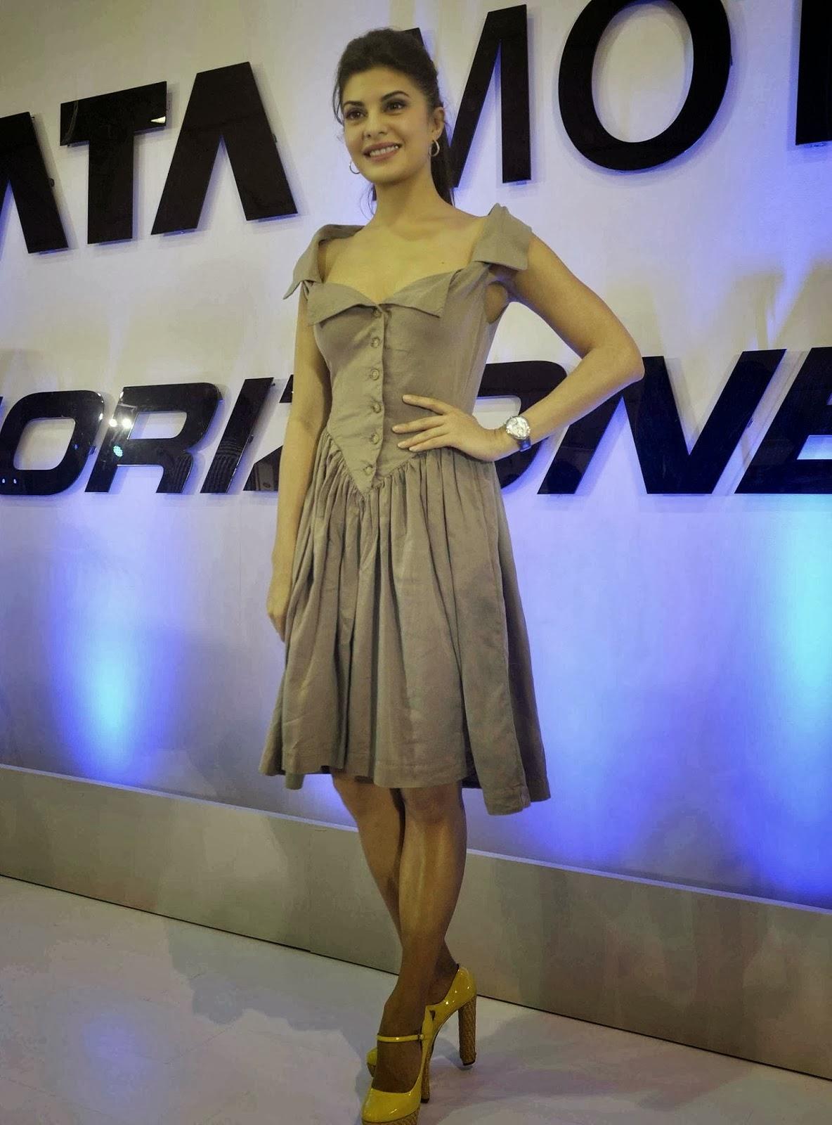 cute gorgeous Jacqueline fernandez photos in short dress at autocar performance show 2013