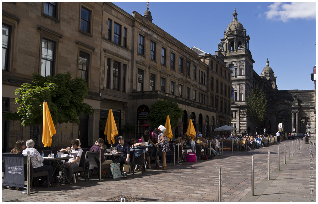 Foto shop friday diary of a vagabond clutter junkie the merchant city probably had more folk sitting outside cafs than paris malvernweather Choice Image