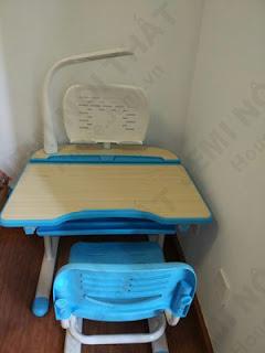 khách hàng phản hồi chất lượng của bàn học thông minh cho bé