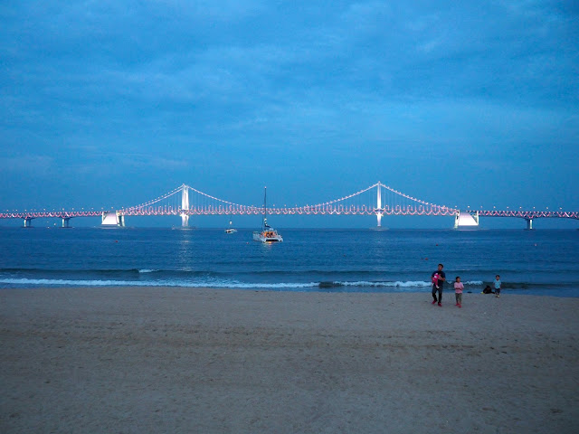 Gwangan Bridge seen from Gwangalli beach in the evening, Busan, South Korea