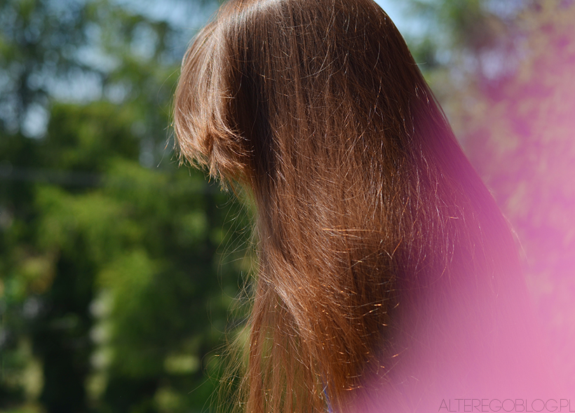 Najlepsze sposoby na wypadnie włosów | Ampułki, olejki, wcierki, suplementacja