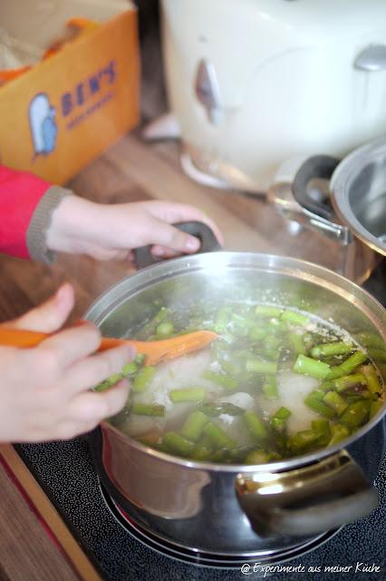 Experimente aus meiner Küche: Schnelles Hühnerfrikassee mit Spargel