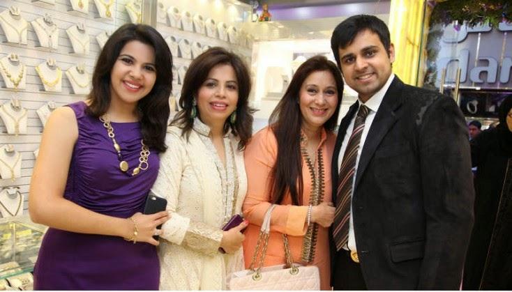 Sonam Ludhani, Sangeeta Ludhani, Meeta Jethwani and Kapil Jethwani, Jacqueline Fernandez Launches Meena Jewellers in Dubai