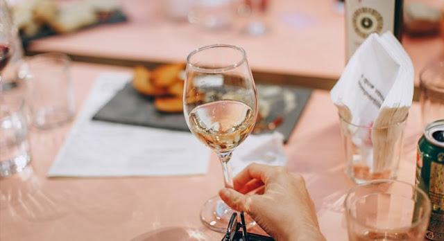 ¿Qué tan bueno es el vino blanco para tu salud?
