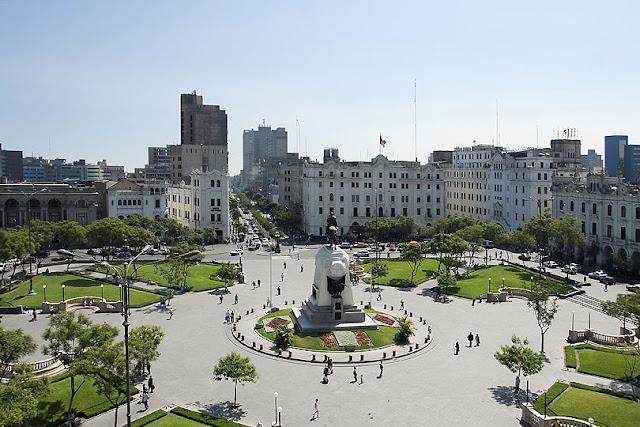 Plaza de Armas y el centro de Lima