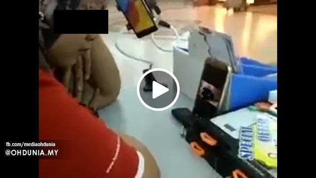 Cik Kak Bertudung Kantoi Layan 'Blue' Jadi Viral Di Facebook