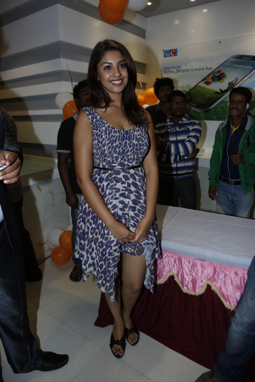 cute Richa gangopadhyay at big c event