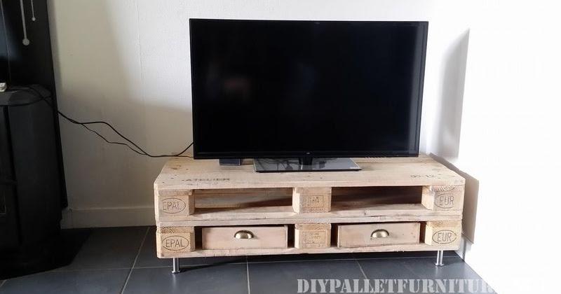 Peque o mueble para el televisor - Mueble para el televisor ...