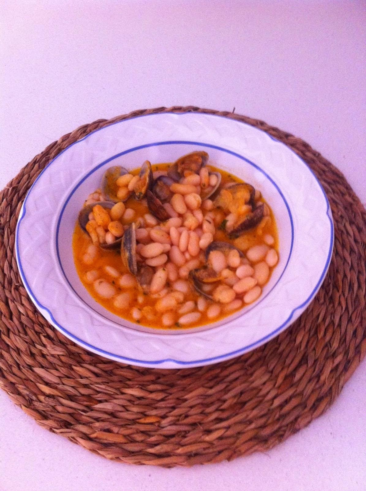 http://lashermanasyunamarx.blogspot.com.es/2014/09/judias-con-chirlas.html