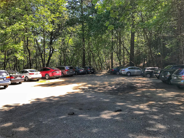 Table Rock hike parking area