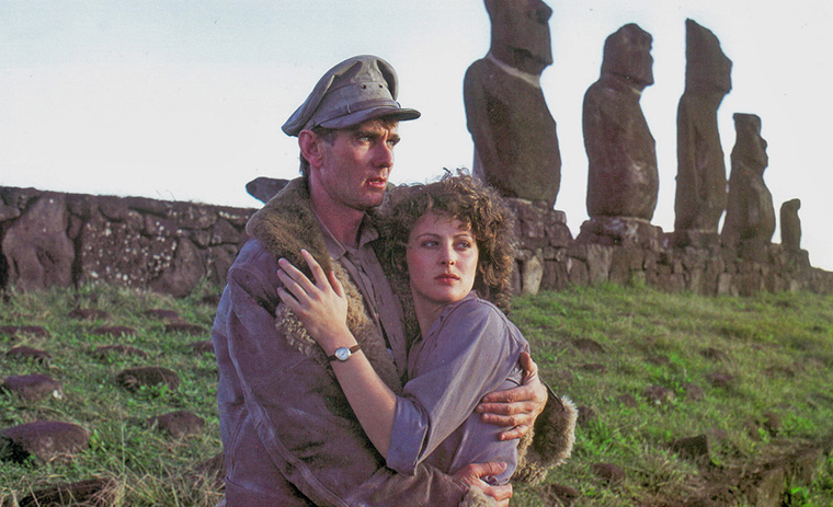 John Hargreaves und Meredith Phillips in SKY PIRATES (DT: Dakota Harris, 1986). Quelle: Verleih