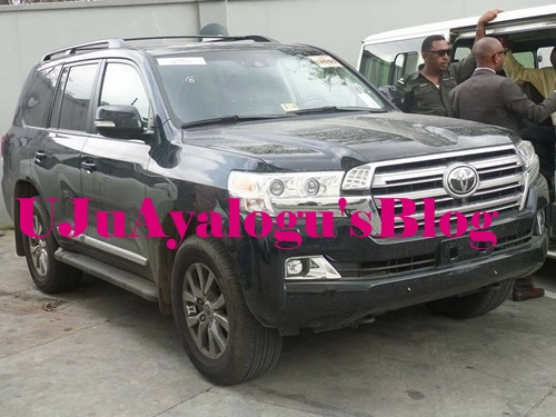 Governor Fayose Gifts a Brand New Land Cruiser to First Executive Governor of Ekiti State (Photos)
